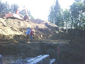 retaining wall beginning of construction